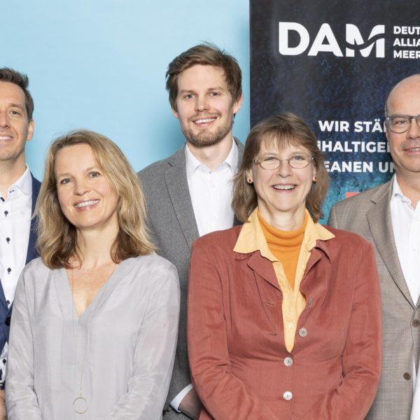Mitarbeiter und Mitarbeiterinnen der Geschäftsstelle der DAM (Deutsche Allianz Meeresforschung)