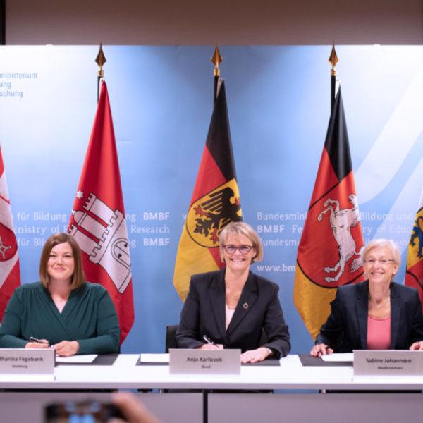 Unterzeichnung der Vereinbarung zum Aufbau der Deutschen Allianz Meeresforschung (DAM)