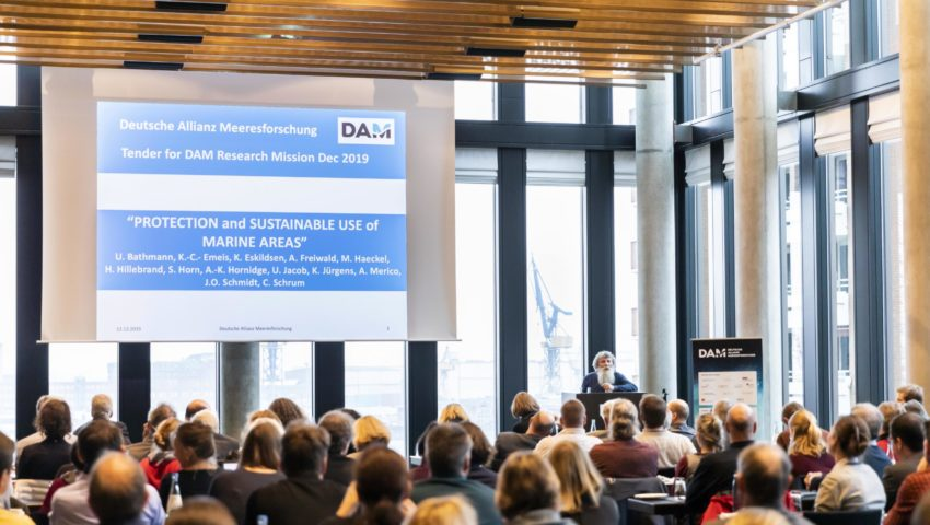 Prof. Ulrich Bathmann hält einen Vortrag über die Deutsche Allianz Meeresforschung (DAM)