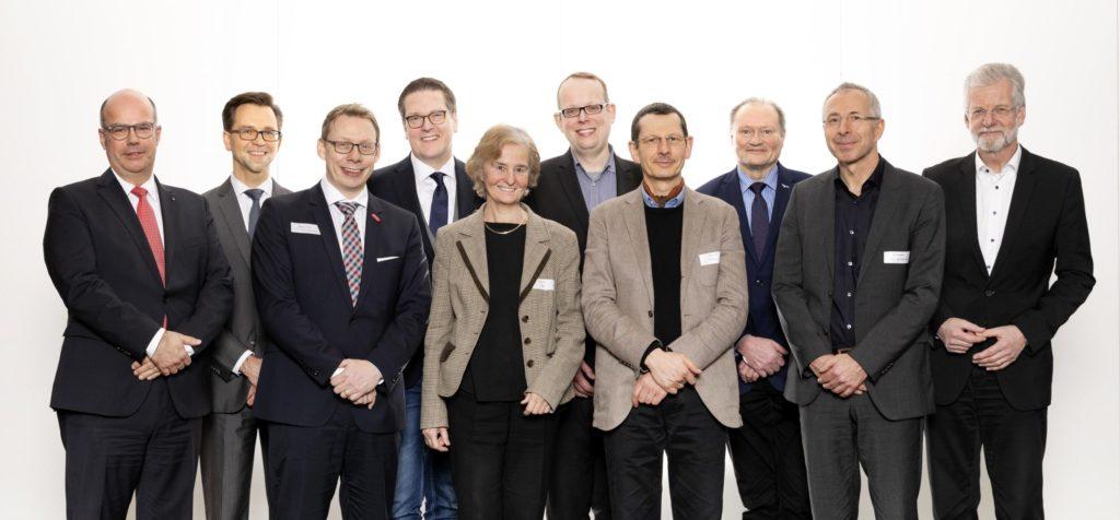 Vertreter der neuen Mitglieder und des Vorstands der DAM (Deutsche Allianz Meeresforschung)