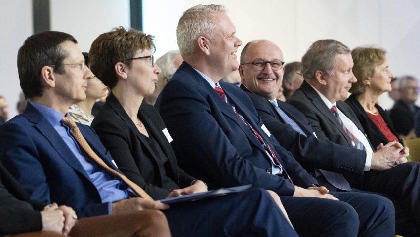 Michael Schulz, Claudia Schilling, Björn Thümler, Michael Meister, Norbert Brackmann und Karin Lochte bei der Auftaktveranstaltung der Deutschen Allianz Meeresforschung DAM