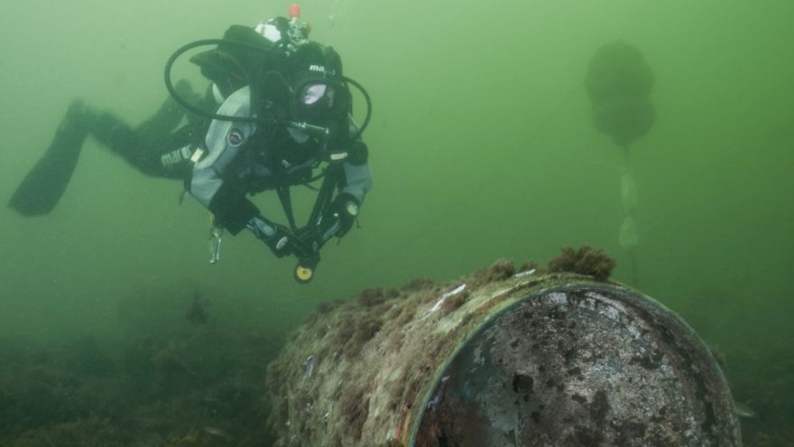Removal of old ammunition and explosives, Diver with old ammunition