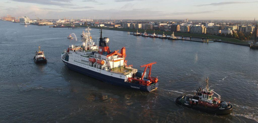 Forschungsschiff Polarstern kehrt zurück
