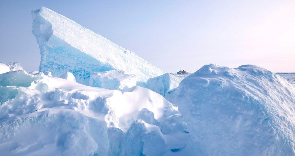 POLARSTERN im arktischen Eis, 2020