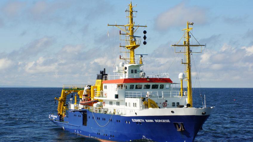 """Ziel der Expedition mit dem IOW-Forschungsschiff ELISABETH MANN BORGESE im Rahmen der DAM-Pilotmission """"MGF Ostsee"""" ist eine umfangreiche Bestandsaufnahme der Beschaffenheit des Meeresgrundes in ausgewählten Flächen im Fehmarnbelt und der Oderbank."""